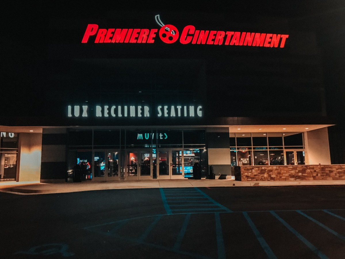 Pell City Premiere Lux Cine, Bowl & Pizza Pub opened January 17. Did someone say ropes course?