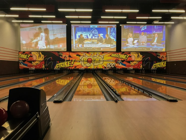 Birmingham, Alabama, Pell City Premiere Lux Cine, bowling alley