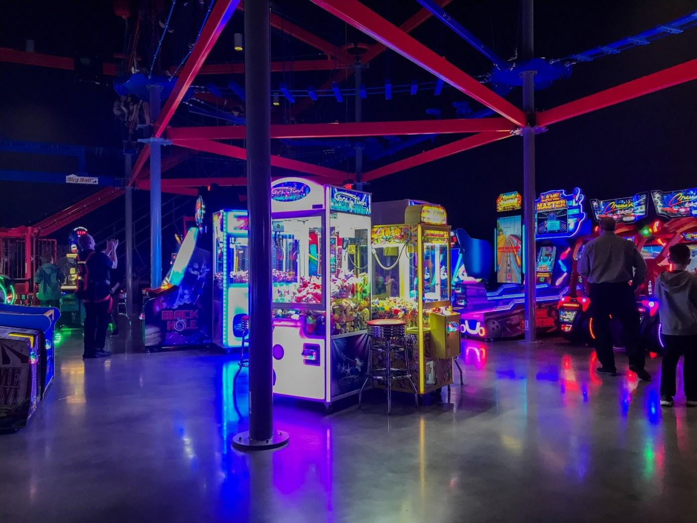 Birmingham, Alabama, Pell City Premiere Lux Cine, arcade