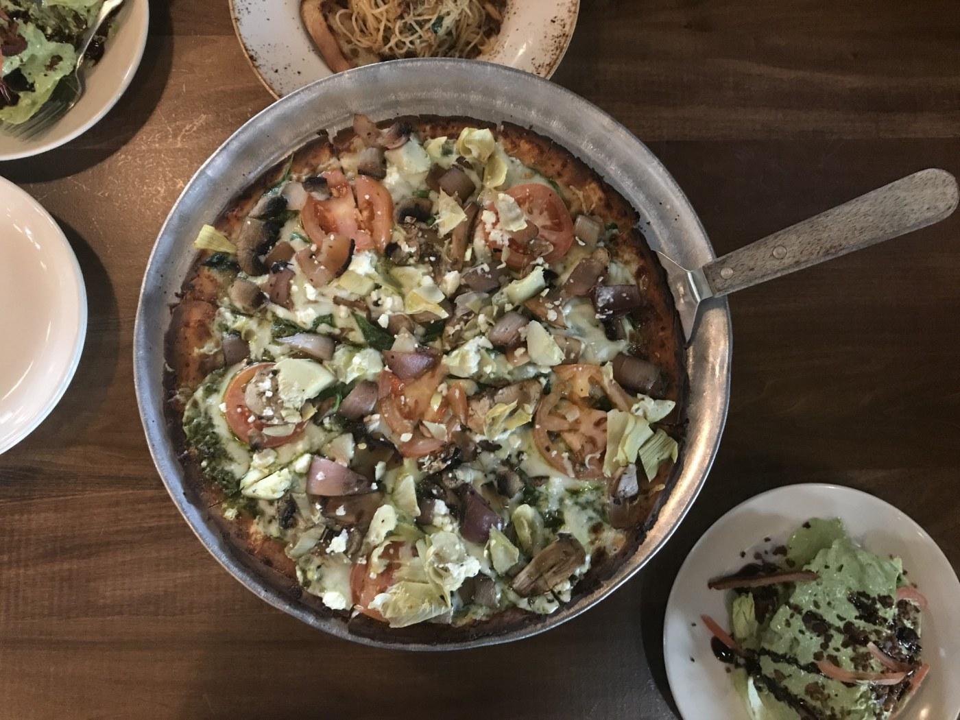 Birmingham, Vestavia, Slice Pizza, Veggie Pesto Pizza, cauliflower pizza crust, keto diet, Birmingham Eats