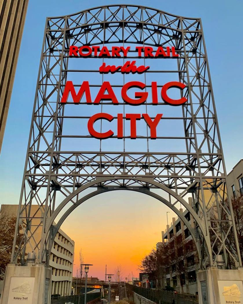 Birmingham, Alabama, Newcomers' guide to Birmingham, Rotary Trail, Magic City Sign