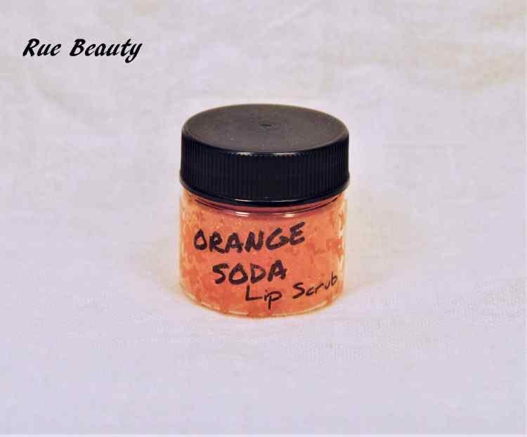Rue beauty lip scrub