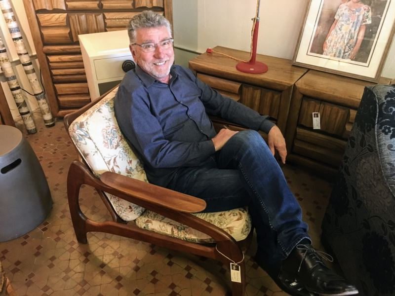 Soho Retro owner Steve Thomas is knowledgeable, gracious and passionate about mid-century modern everything.