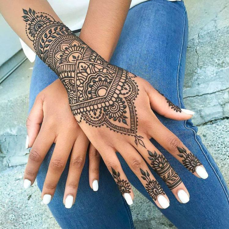 Henna at the library is one of the events in Woodlawn.