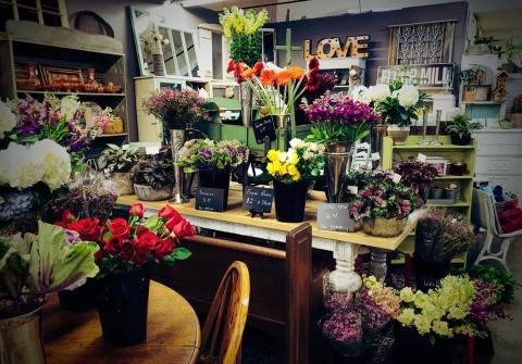 Homewoof Flowers display
