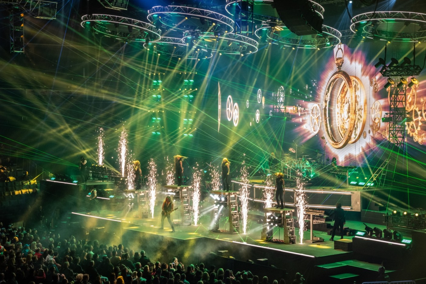 Trans-Siberian Orchestra puts on quite the show