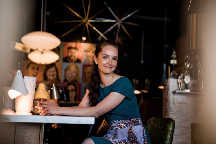 Rachael Roberts at The Atomic Lounge