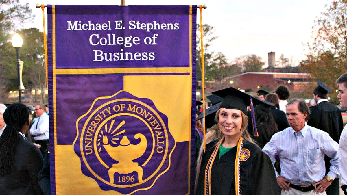 Wondering why you should do a Montevallo MBA? Online classes are only one reason.