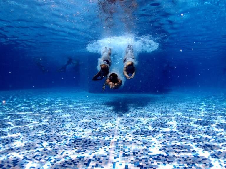 swimming pool, photo via Unsplash