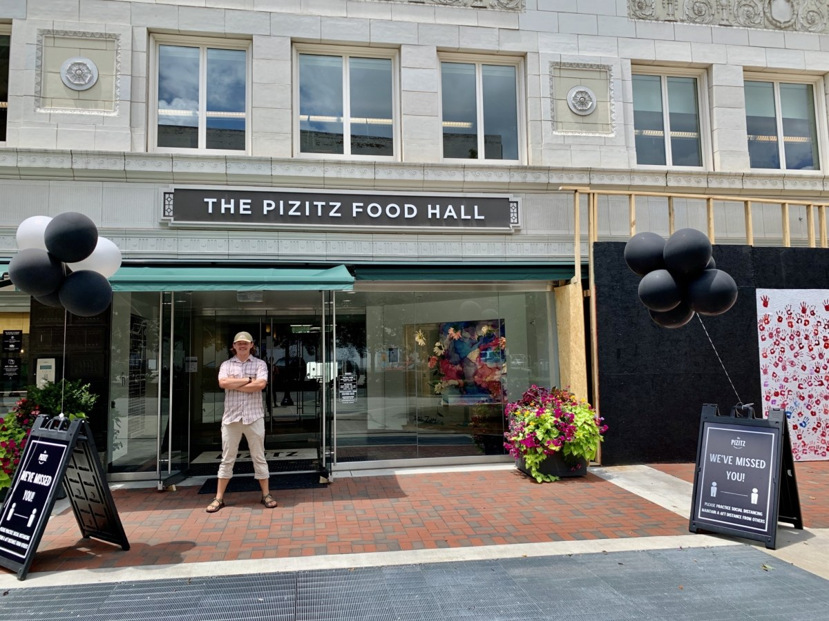 Welcome back! The Pizitz Food Hall is open for dine-in service