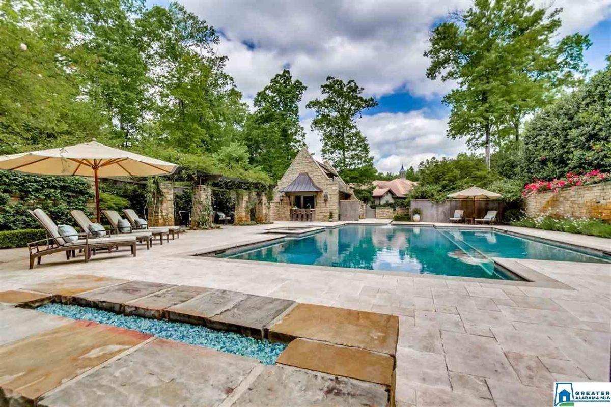 5 homes with gorgeous pools on the Birmingham market right now