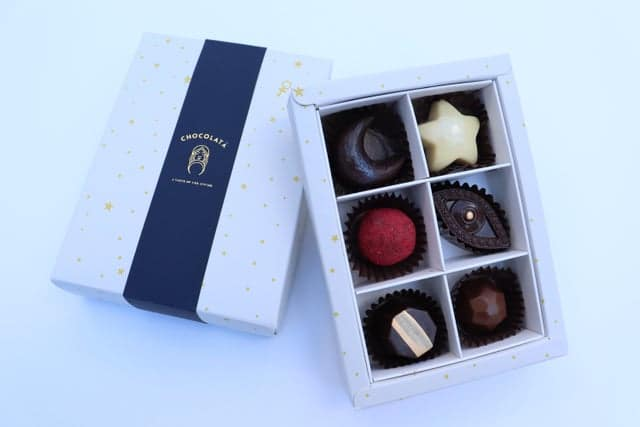 Six piece box of chocolate bon bons from Chocolata
