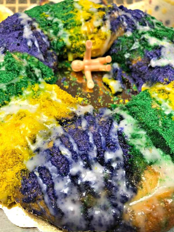 Savage's Bakery king cake in Birmingham