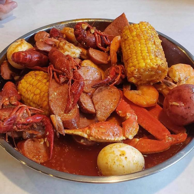 crawfish boil with corn and potatoes