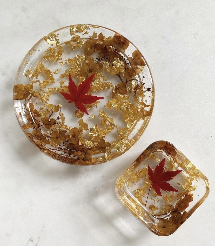 resin trays with gold adoration