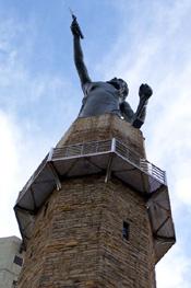 Looking up at Vulcan. acnatta/Flickr