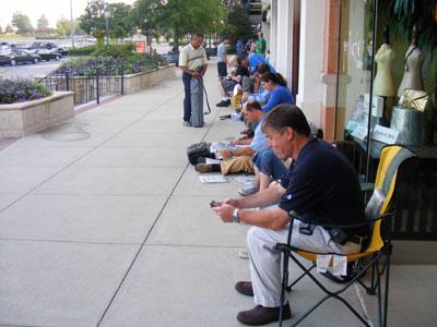 iPhone 3G line at The Summit, Birmingham, AL - acnatta/Flickr