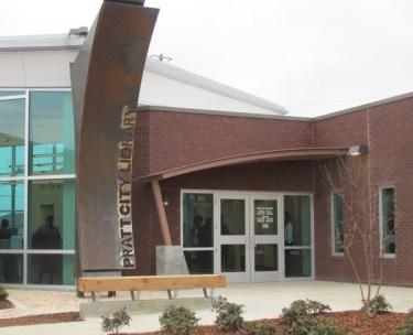 Parking lot entrance of Pratt City Library. acnatta/Flickr