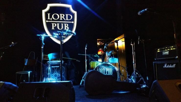 lord_pub_palco