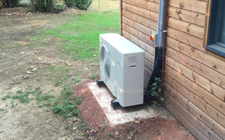 daikin air source heat pump - montessori place - brighton hove energy services co-op