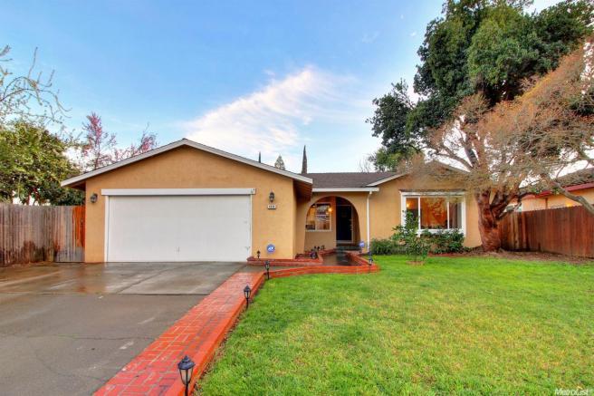 8454 Mediterranean Way, Sacramento, CA 95826