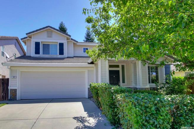12 Swinging Bridge Ct, Sacramento, CA 95833