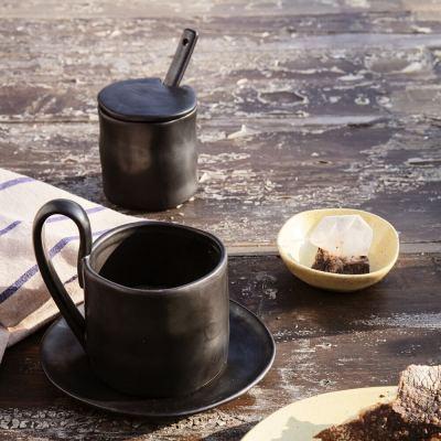 flow-jam-jar-with-spoon-black-02-amara