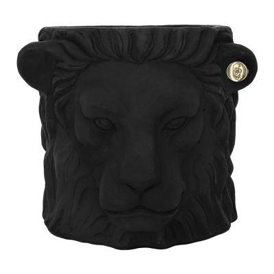 terracotta-lion-plant-pot-small-black-02-amara