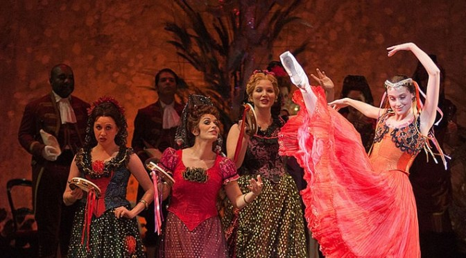 Austin Lyric Opera Performs Verdi's La Traviata