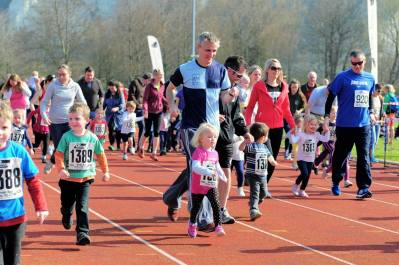 Mark Collins at the toddlers race at the Lewes 10k
