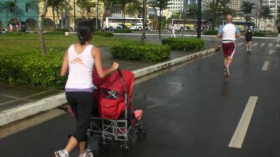 Run mommy!  Run!