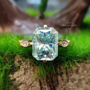 4TCW Blue Radiant VVS1 Clarity Moissanite Engagement Ring, Vintage Ring, Wedding Bridal Ring, 18KT Yellow Gold, Solitaire Ring, Anniversary