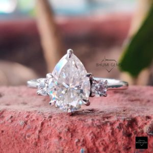 2.40TCW Pear & Round Cut Moissanite Ring, Engagement Ring, Solitaire Three Stone Ring Antique Vintage Gold Silver Jewelry For Women Gift Her