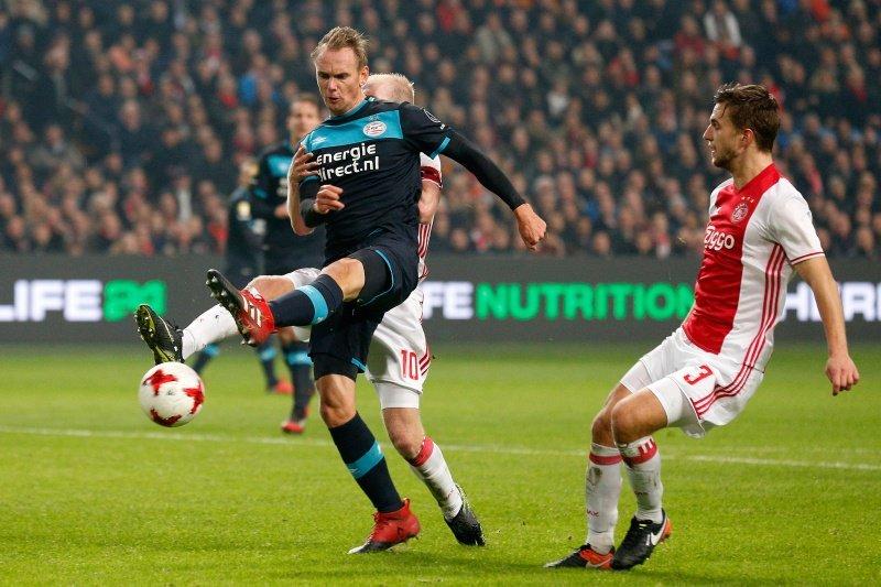 Image result for Ajax 1-1 PSV Eindhoven