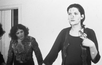 Marina Abramović Rhythm 5, 1974 (Ritim 5) Performans 90 dakika
