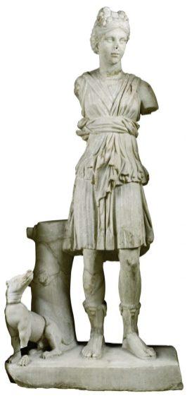 Silahtarağa Çeşmesi (Artemis heykeli) 2. yüzyıl Mermer 155 x 72 x 35 cm Env. No. 5058 T + 5065 T İstanbul Arkeoloji Müzeleri İstanbul, Türkiye