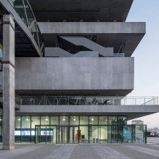 Modern Art Museum and its Walkways, Atelier Deshaus, Çin