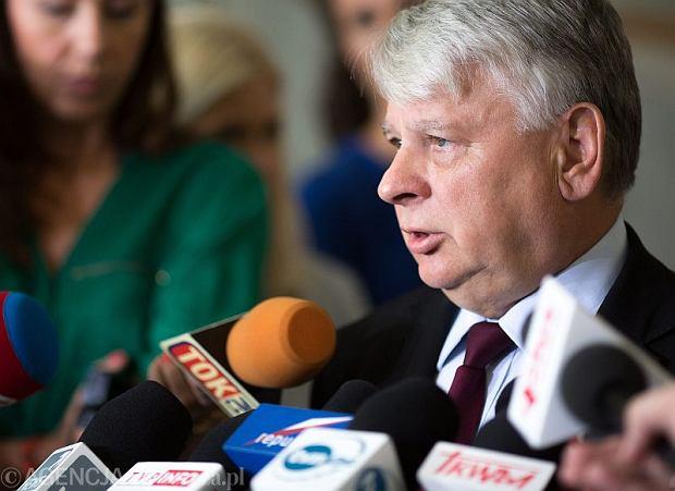 Marszałek Senatu Bogdan Borusewicz wygłasza w Senacie oświadczenie ws referendum