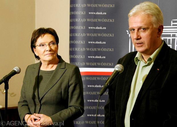 Premier Ewa Kopacz i Dominik Kolorz, szef śląsko-dąbrowskiej Solidarności, po podpisaniu porozumienia w sprawie ratowania górnictwa