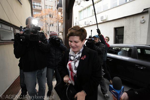 Beata Szydło w drodze na posiedzenie Komitetu Politycznego PiS