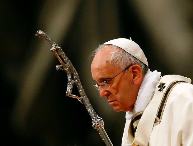 Papież Franciszek przewodniczył w Wielką Sobotę mszy Wigilii Paschalnej.