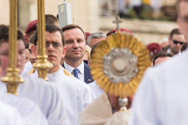 Boże Ciało w Krakowie. W procesji wziął udział Andrzej Duda.