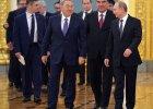 Osamotniony Putin spotyka się z niewiernymi sojusznikami
