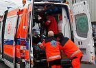 Stacje pogotowia w całej Polsce oszczędzają na ratownikach. Ci ratują na śmieciówkach