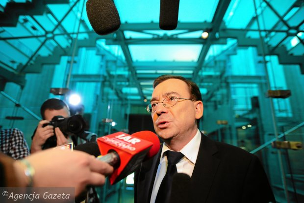 Mariusz Kamiński w budynku Sądu Najwyższego w kwietniu 2013 r. Sąd Rejonowy dla Warszawy-Śródmieścia, przed którym stawał były szef CBA, wynajął tam do przeprowadzenia procesu specjalnie zabezpieczoną sal