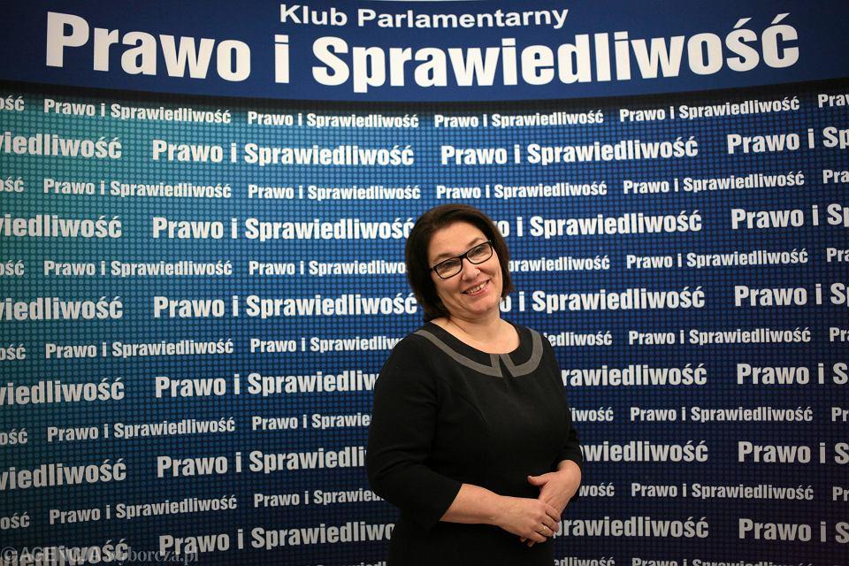 Rzeczniczka prasowa Prawa i Sprawiedliwości Beata Mazurek - 'TVP w końcu mówi głosem Polaków'. 'Polców i Polaców'