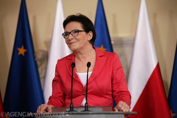 - Chcę powiedzieć wszystkim, którzy zdecydowali się zagłosować na Komorowskiego, że dopóki będę szefem partii i  premierem, mogę wam agwarantować, że wasze głosy nie poszły na marne - mówiła wczoraj premier Ewa Kopacz
