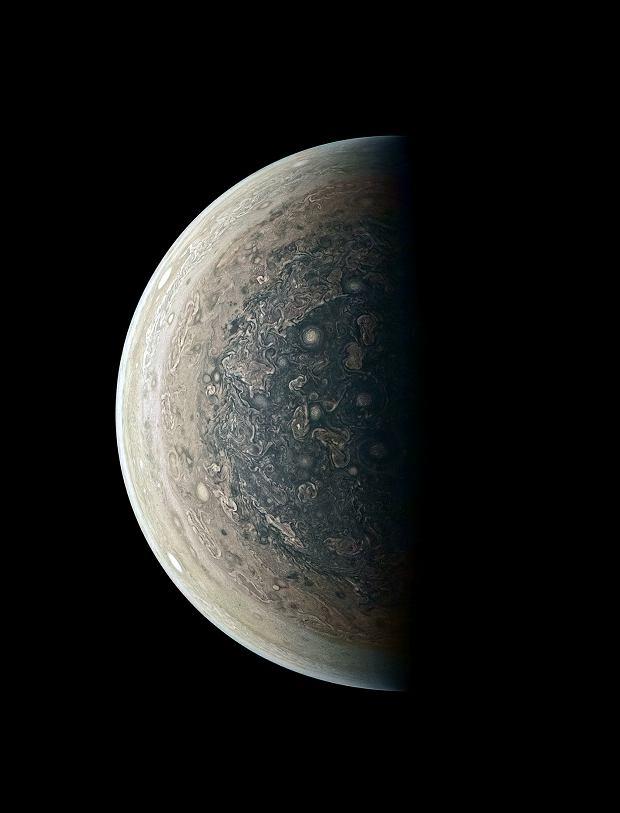 Jowisz od strony bieguna południowego