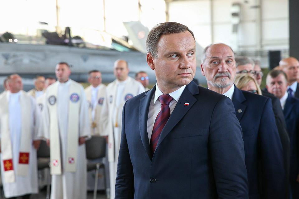 Prezydent Duda i Antoni Macierewicz na obchodach Święta Lotnictwa w Krzesinach pod Poznaniem