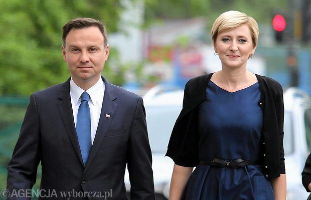 Agata i Andrzej Dudowie wzięli udział w akcji wspólnego czytania